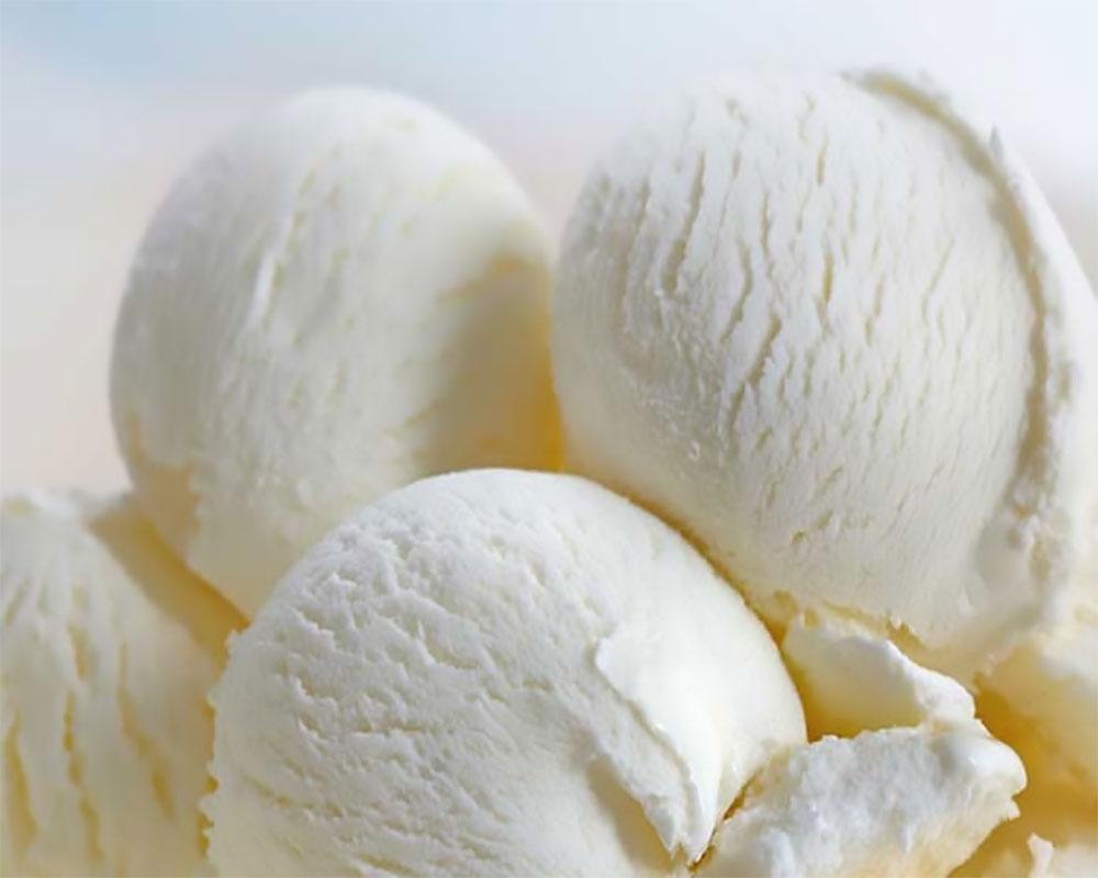 Dondurma Çubuğundan Nasıl Masa Yapılır